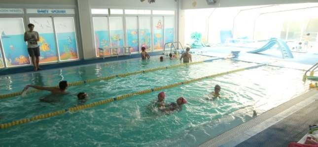 curso de verano para niños, clases-natacion-niños